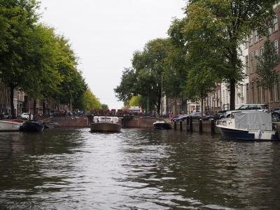 オランダでのトランジット中のミニツアー運河めぐり