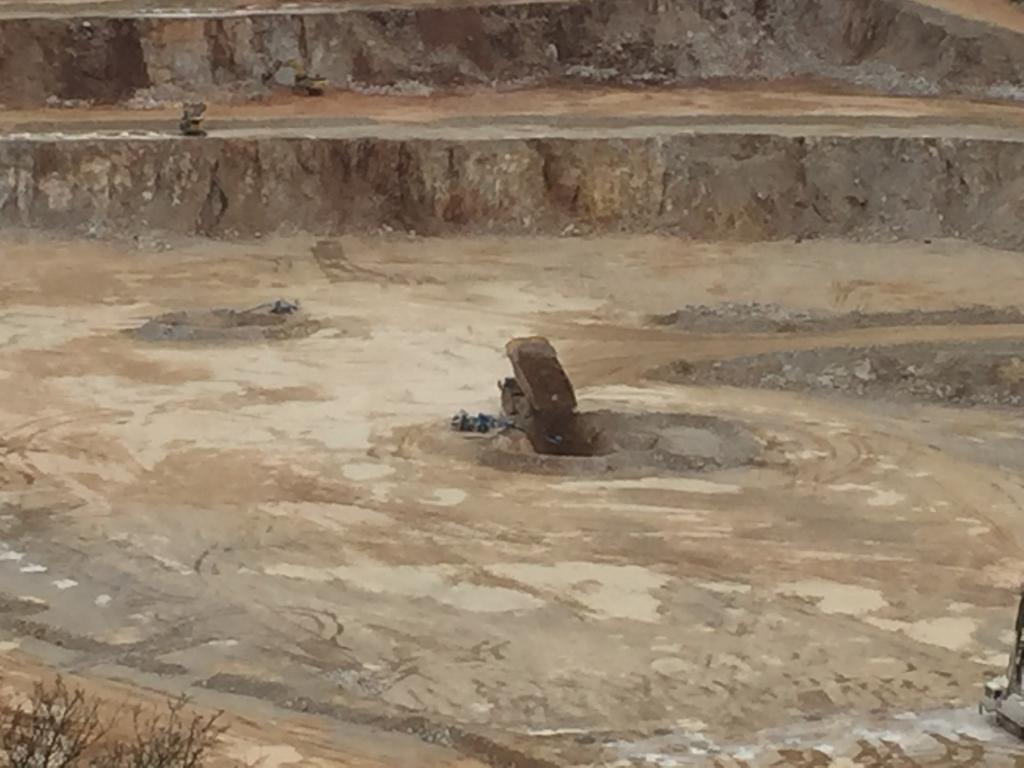 秋芳鉱山コンベヤー