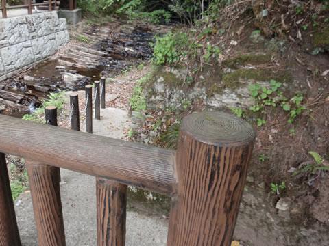 たびの尻滝道