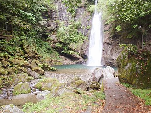 土々呂の滝親水公園4