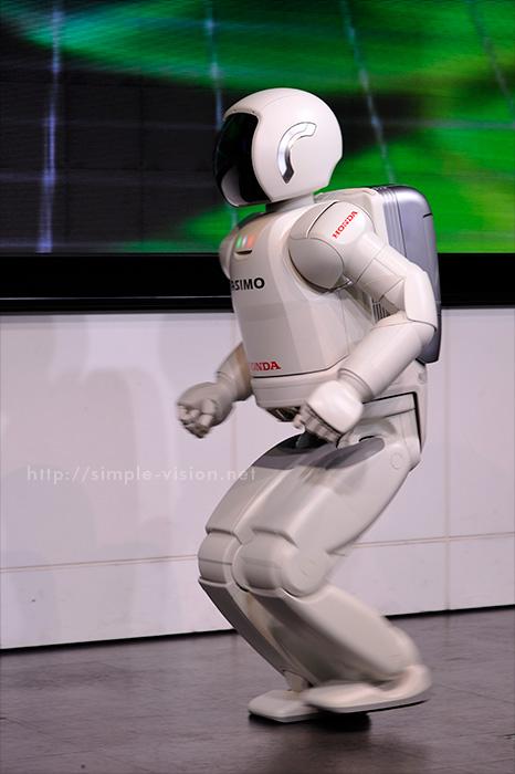 ホンダの人間型ロボット「ASIMO」