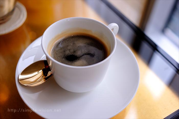 コーヒーと湯気合成1