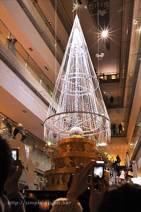 参道ヒルズのクリスマスツリー2011年