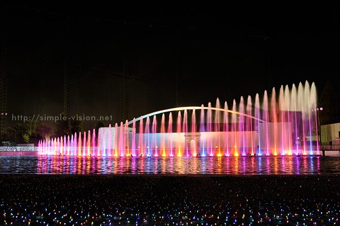 光と音と噴水のイルミネーションショー「パリ・モナムール」2