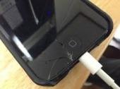 iPhoneに亀裂がある