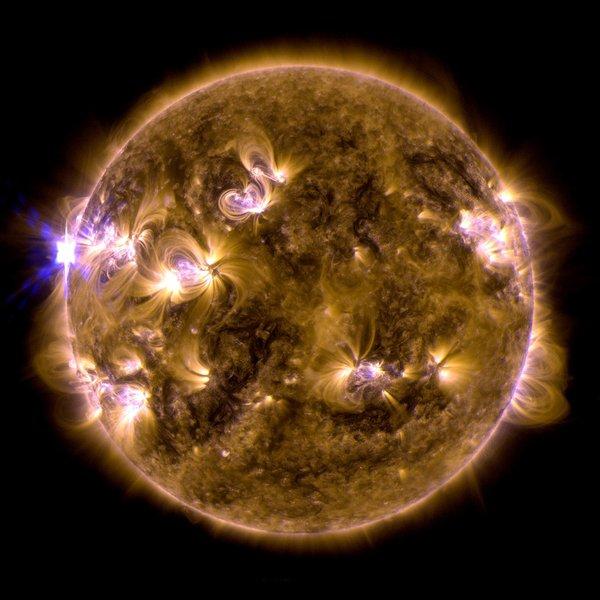 太陽活動による電磁気の乱れに、テスラ オイスター・プレート