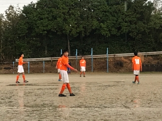 試合中はひたすら雨でしたが
